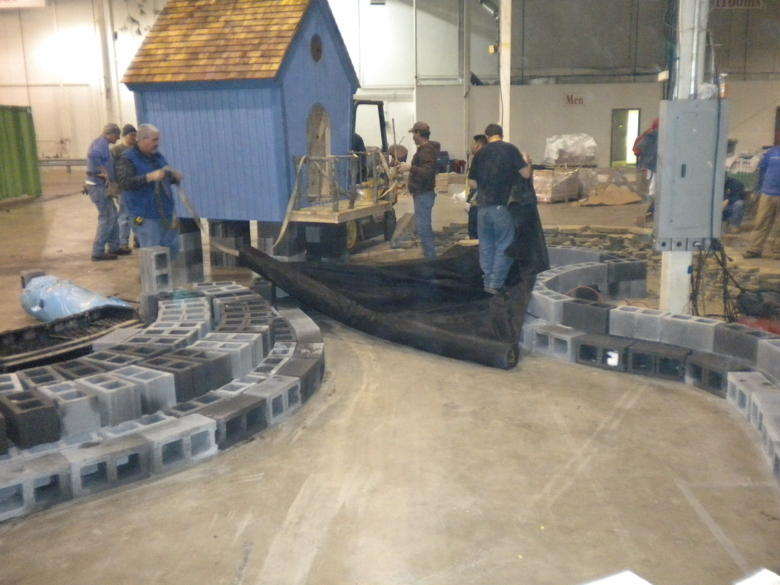 The Photos Below Show The Progression Building Meadows Farmsu0027 Garden At The Capital  Home And Garden Show In Chantilly, Virginia Beginning Midday Monday And ...